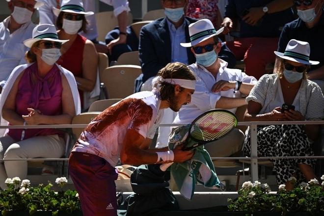 Những khoảnh khắc Djokovic vượt qua Tsitsipas để vô địch Roland Garros - 8