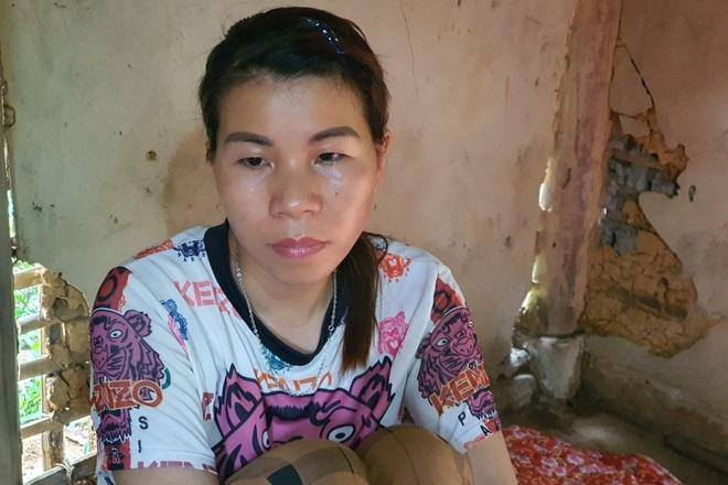Người mẹ đau khổ ôm con trong ngôi nhà rách nát cầu xin sự sống - 8