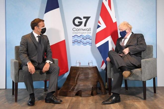 Lãnh đạo Anh - Pháp căng thẳng vì cuộc tranh luận về chủ đề xúc xích - 1