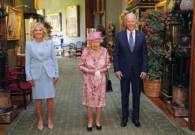 Hai nguyên thủ được nhắc đến trong tiệc trà của ông Biden với Nữ hoàng Anh - 1