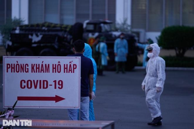 TPHCM: 13 khoa phòng Bệnh viện Bệnh Nhiệt Đới có người nhiễm SARS-CoV-2 - 1