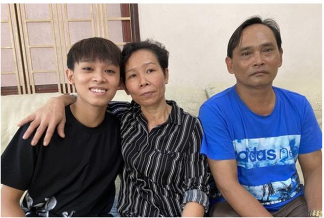 Hồ Văn Cường nói gì về nghi vấn em trai là sao mà chị gái lượm ve chai? - 2
