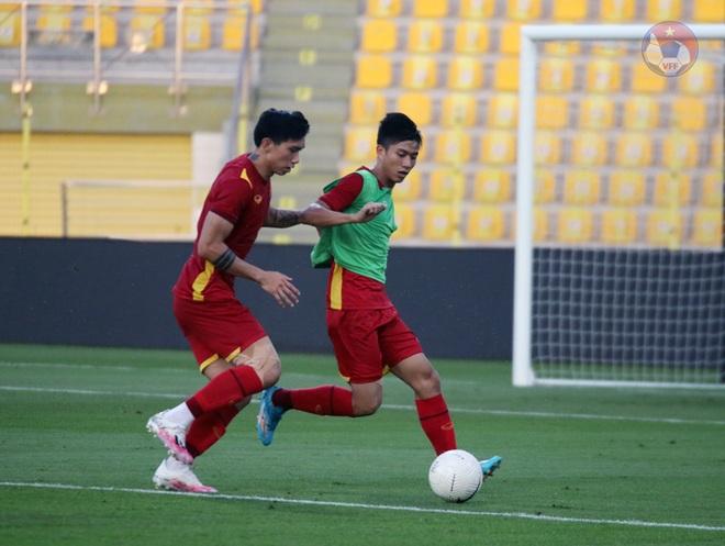 HLV Park Hang Seo cầu nguyện trước trận gặp UAE - 3
