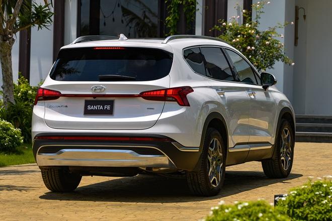 Xe gầm cao 7 chỗ, chọn Kia Sorento All New hay Hyundai SantaFe 2021? - 4