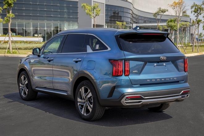 Xe gầm cao 7 chỗ, chọn Kia Sorento All New hay Hyundai SantaFe 2021? - 3