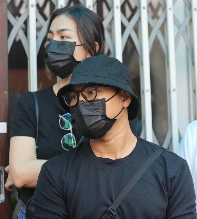 Gia đình, đồng nghiệp đội mưa đưa tiễn đạo diễn Lê Cung Bắc - 5