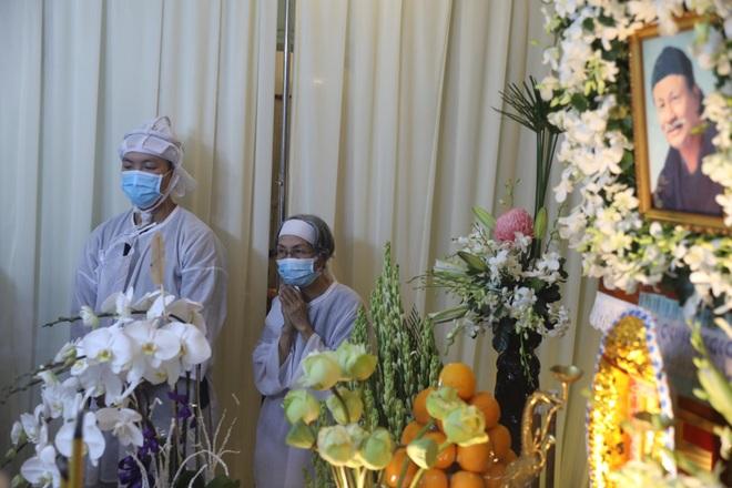 Gia đình, đồng nghiệp đội mưa đưa tiễn đạo diễn Lê Cung Bắc - 2