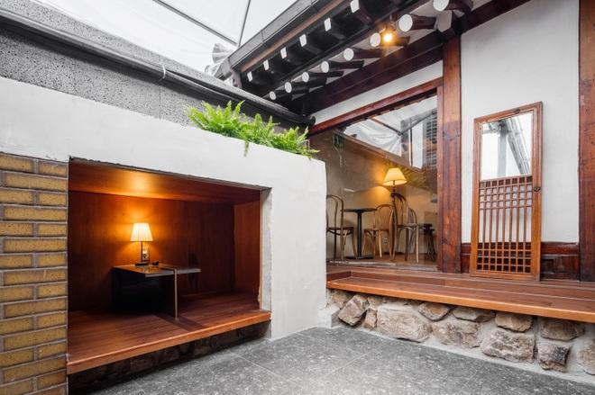 Quán cà phê đẹp như tranh tái hiện kiến trúc nhà cổ Hàn Quốc - 12