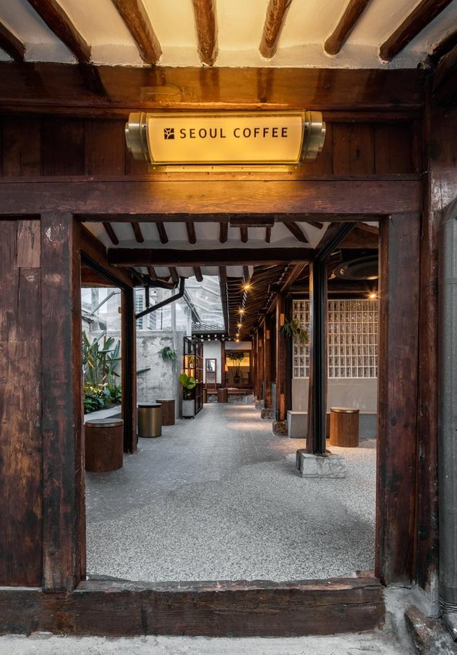 Quán cà phê đẹp như tranh tái hiện kiến trúc nhà cổ Hàn Quốc - 4