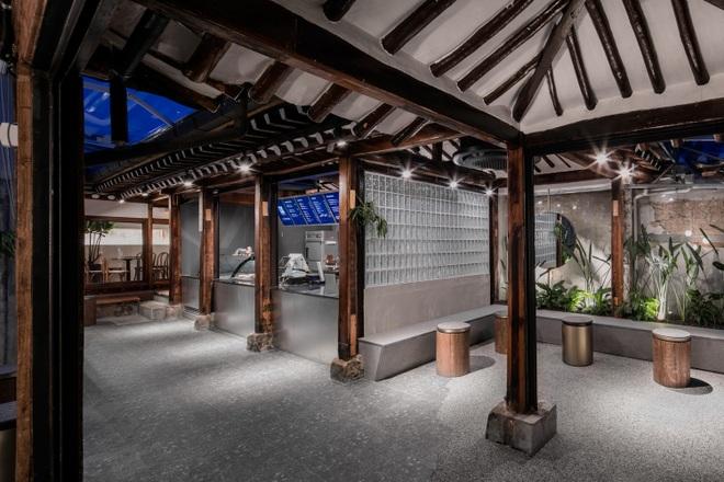 Quán cà phê đẹp như tranh tái hiện kiến trúc nhà cổ Hàn Quốc - 13