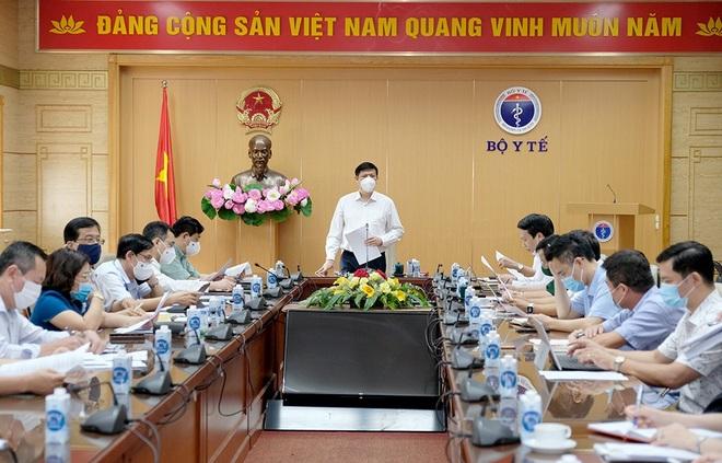 Việt Nam triển khai chiến dịch tiêm vắc xin Covid-19 lớn nhất trong lịch sử - 1