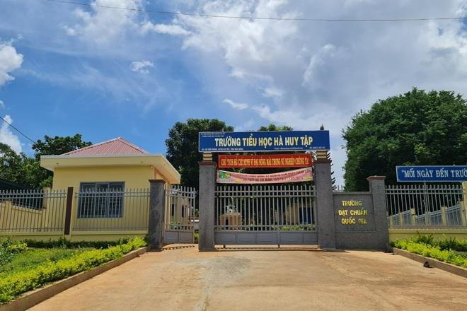 Đắk Nông xác minh vụ học trò bị trường giam học bạ vì nợ 550.000 đồng - 2