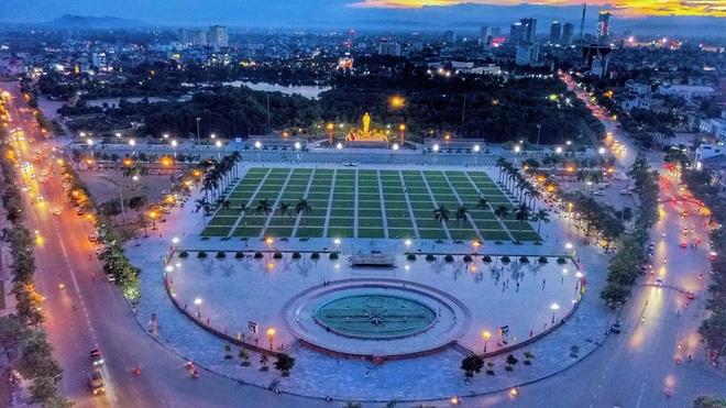 Nghệ An: Giãn cách xã hội toàn thành phố gần nửa triệu dân - 1