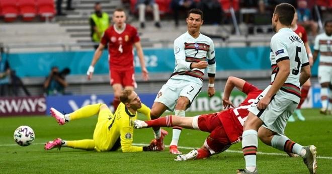 C.Ronaldo lập ba kỷ lục, Bồ Đào Nha thắng nhọc nhằn Hungary - 2