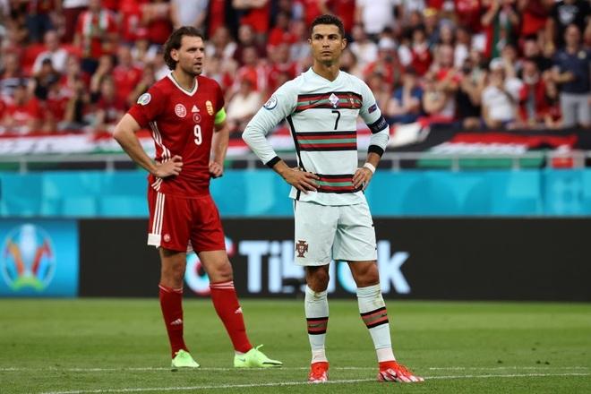 C.Ronaldo lập ba kỷ lục, Bồ Đào Nha thắng nhọc nhằn Hungary - 1
