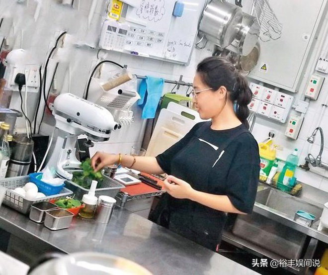 Showbiz Hồng Kông suy thoái, nghệ sĩ làm phụ hồ, bảo vệ, bồi bàn kiếm sống - 5