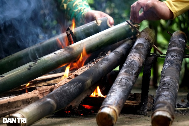 Unique dish of rice dishes in bamboo tubes, bringing the breath of the mountains - 10