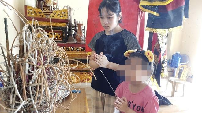 Thương bé gái 10 tuổi vô tội mang căn bệnh thế kỷ do cha, mẹ truyền sang - 1