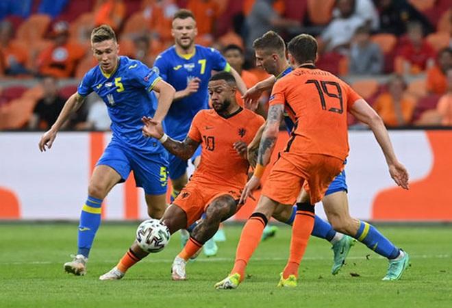 Hà Lan - Áo (02h00 ngày 18/6): Tấm vé đi tiếp vẫy gọi - 1