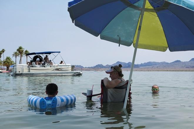 Nắng nóng tăng sốc lên 49 độ C, 50 triệu người Mỹ bị ảnh hưởng - 2