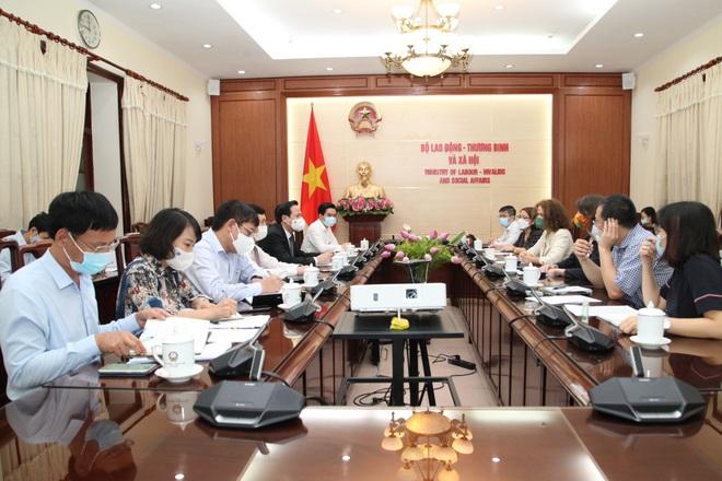 Bộ trưởng Đào Ngọc Dung: Nghiên cứu thẻ tích hợp dữ liệu BHXH, y tế, dân cư - 1