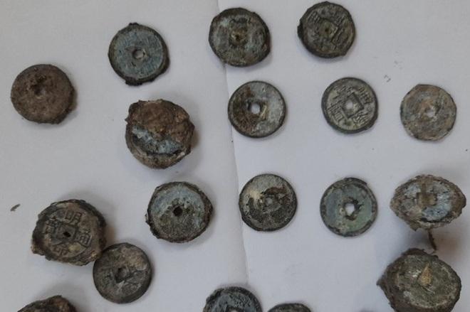 Gần 8 tạ tiền xu cổ dưới đáy biển Quảng Bình có từ thời Gia Long, Minh Mạng