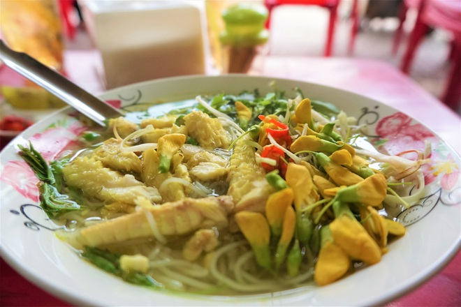 The famous fish noodle dish of the U80 couple is in the Top Vietnamese specialties - 3