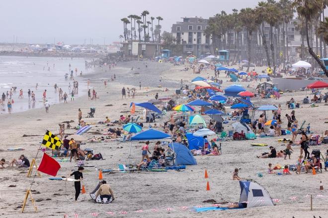 Nắng nóng như tận thế càn quét bờ tây nước Mỹ - 1