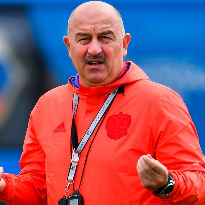 Đội tuyển Nga tuyên bố cấm cửa các bóng hồng xinh đẹp - 1
