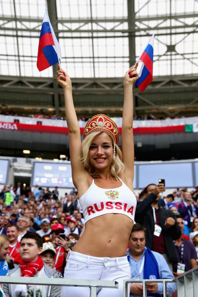 Đội tuyển Nga tuyên bố cấm cửa các bóng hồng xinh đẹp - 3
