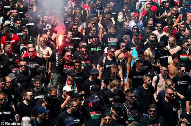Bầu không khí rực lửa trên sân Puskas Arena trong ngày Hungary hòa Pháp - 6