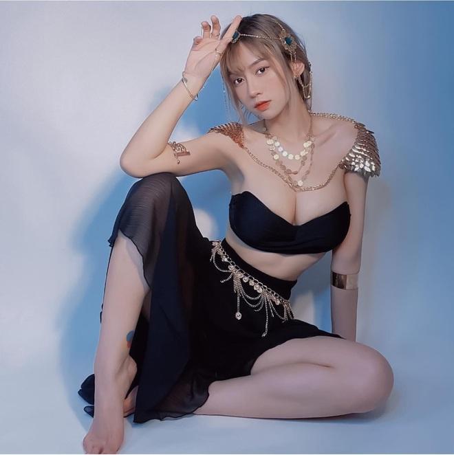 nhin-lai-nhung-khoanh-khac-nong-bong-cua-4-hot-girl-co-dong-trong-euro-20211docx-1624196455915.jpeg