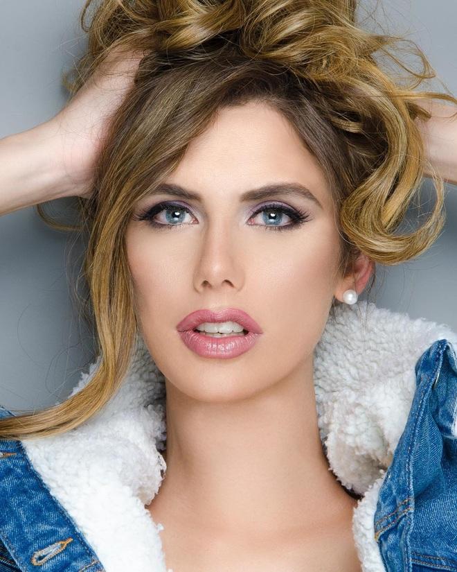 Vẻ ngoài hoàn mỹ của của người đẹp chuyển giới đầu tiên dự Hoa hậu Hoàn vũ - 5