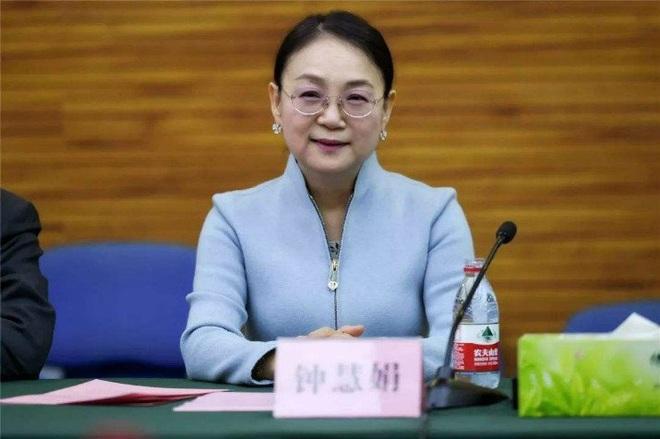 Giáo viên dạy Hóa bỏ nghề, trở thành nữ tỷ phú tự thân giàu nhất châu Á - 2