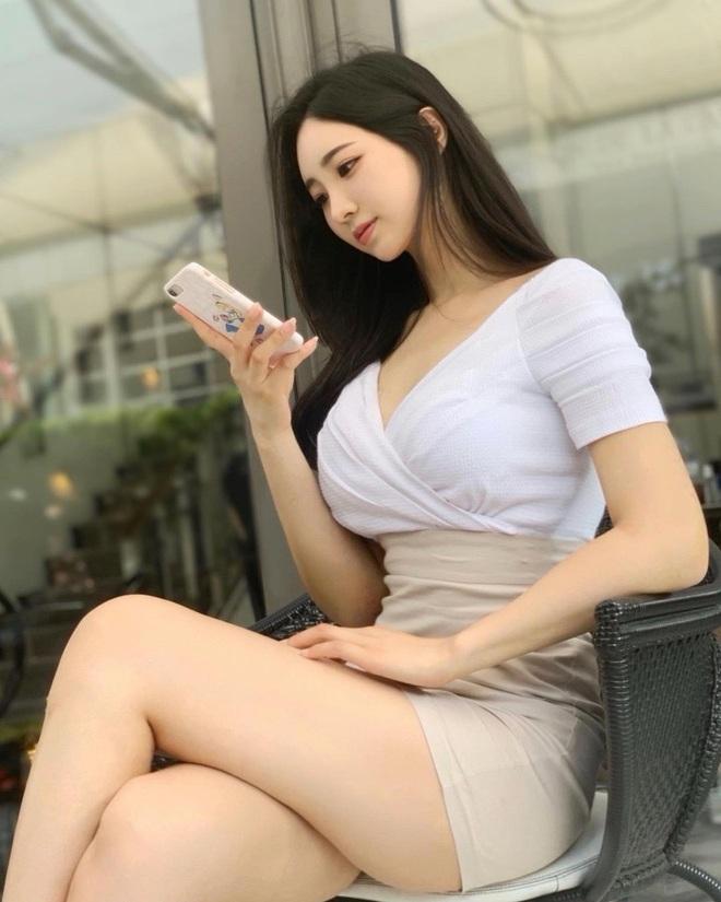 Hot girl gợi cảm xứ Hàn tuyên bố đẹp tự nhiên trước nghi vấn thẩm mỹ - 9