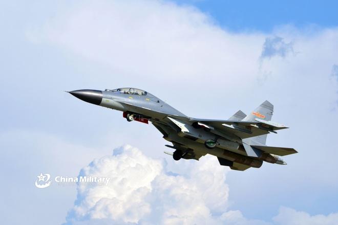 Trung Quốc bị nghi ồ ạt xây căn cứ không quân gần biên giới Ấn Độ - 1