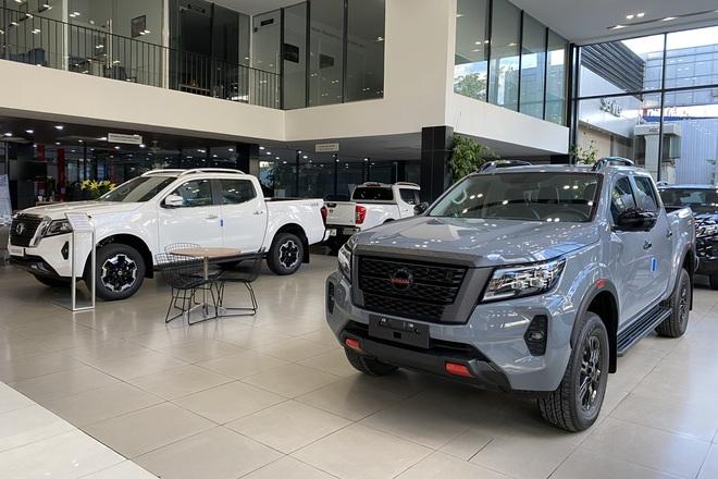 Nissan Navara 2021 bắt đầu về đại lý, sẵn sàng thách thức Ford Ranger - 1