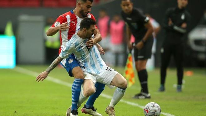 Messi không để lại dấu ấn, Argentina nhọc nhằn đánh bại Paraguay - 2