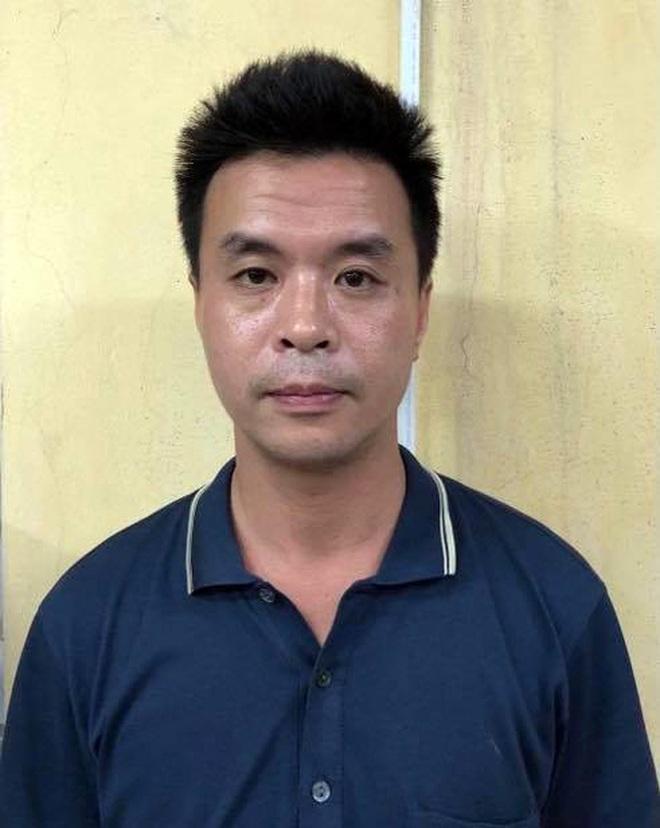 Hà Nội: Vừa ra tù, gã trai vác cả tủ thờ của gia đình đem… bán - 1