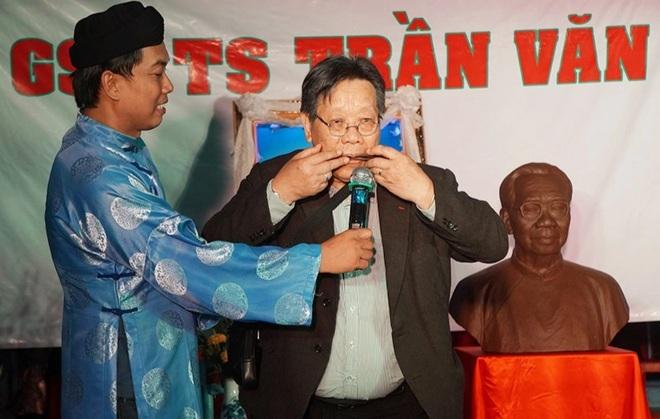 Lễ tưởng niệm ngày mất lần 6 của cố GS.TS Trần Văn Khê chỉ có 3 người dự - 5