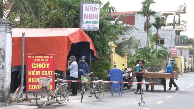 Hải Phòng khuyến cáo người dân Vĩnh Bảo ở nhà, đi chợ bằng phiếu 3 lần/tuần - 1