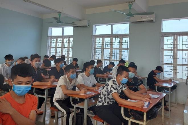 """Sự """"cứng nhắc"""" của Bộ GD-ĐT gây khó khăn cho học sinh đang học nghề"""