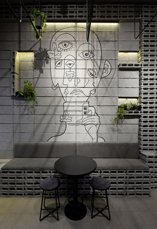 Quán cà phê bê tông hóa thiết kế độc lạ, đủ góc sống ảo - 11