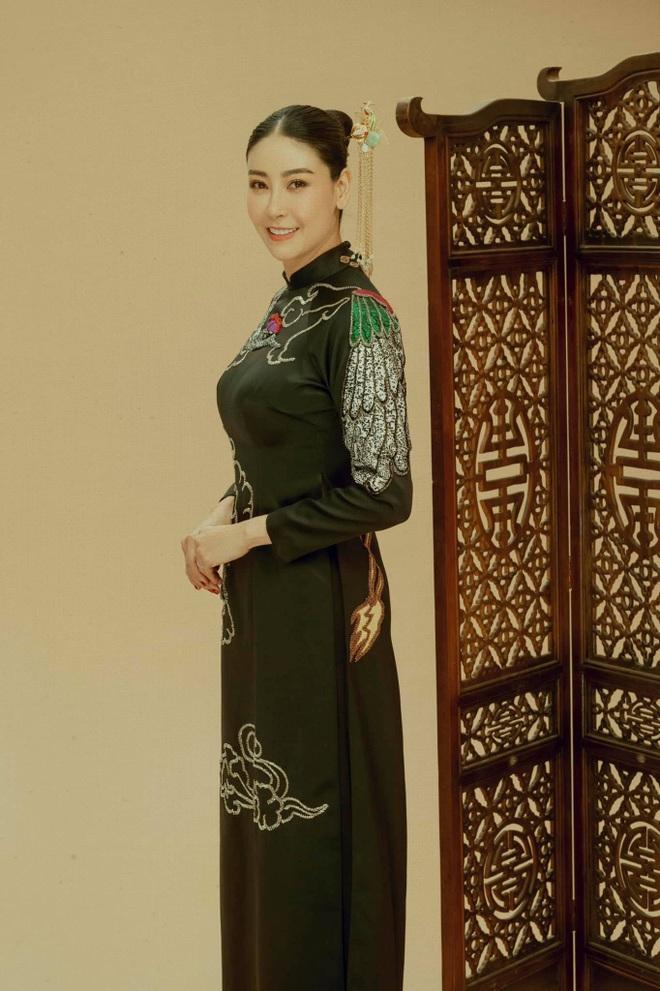 Hoa hậu Hà Kiều Anh tiết lộ dòng dõi trâm anh thế phiệt