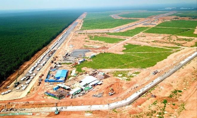 """Sân bay Long Thành """"gặp khó"""" vì Covid-19"""