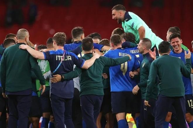 HLV Mancini: Italia không ngại việc Anh được hỗ trợ nhiều thứ ở Wembley - 3