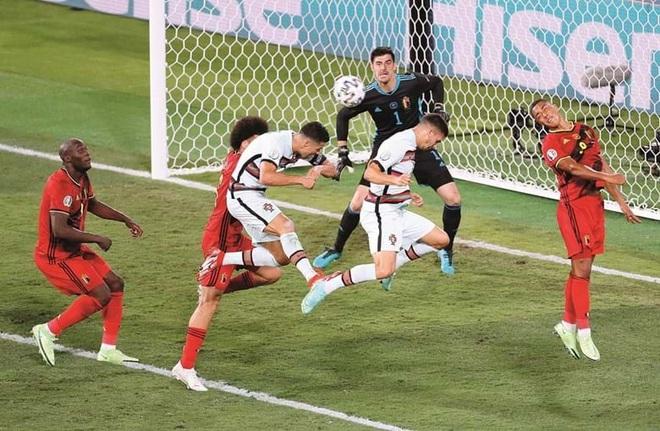 Báo Bồ Đào Nha xót xa cho thất bại của C.Ronaldo và các đồng đội - 2
