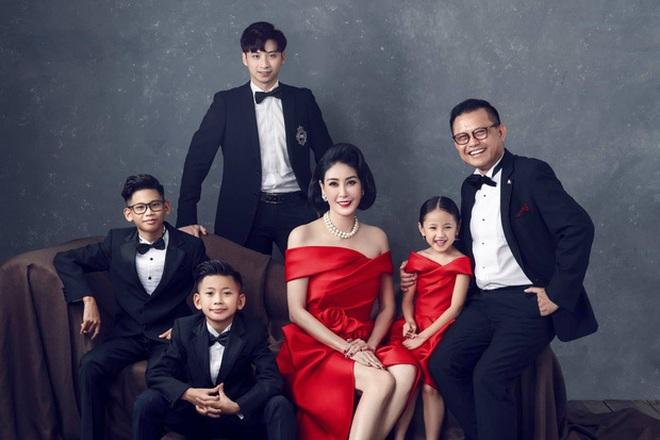 Hé lộ gia thế khủng, dòng dõi quyền quý của các Hoa hậu Việt - 9