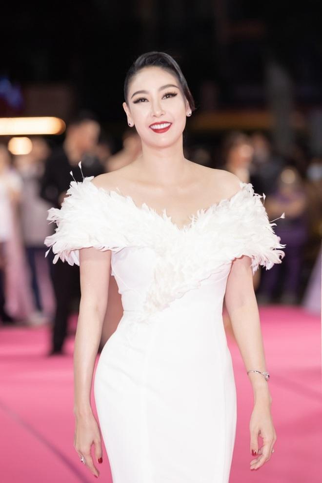 Hé lộ gia thế khủng, dòng dõi quyền quý của các Hoa hậu Việt - 7