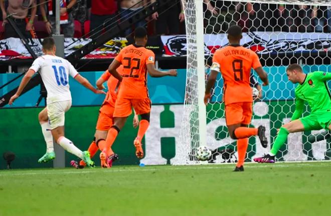 Giọt nước mắt cay đắng của người Hà Lan sau thất bại trước CH Séc - 6